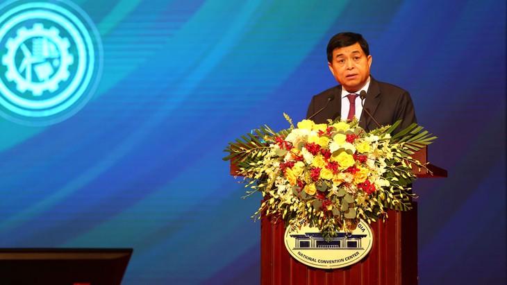 Bộ trưởng KH&ĐT Nguyễn Chí Dũng nhấn mạnh, với trách nhiệm là cơ quan tham mưu tổng hợp của Chính phủ trong lĩnh vực phát triển DN, Bộ đề xuất gợi mở 5 định hướng và giải pháp lớn để phát triển DN trong bối cảnh mới.