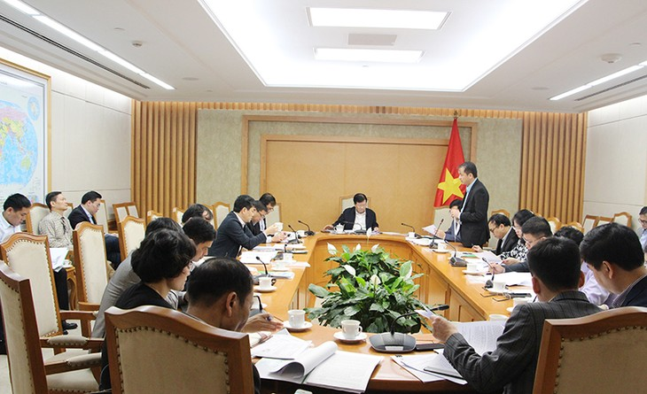 Theo Phó Thủ tướng Trịnh Đình Dũng, tiêu hao năng lượng trên đơn vị sản phẩm trong nhiều ngành còn cao, nhất là ngành công nghiệp (ảnh: MOIT)