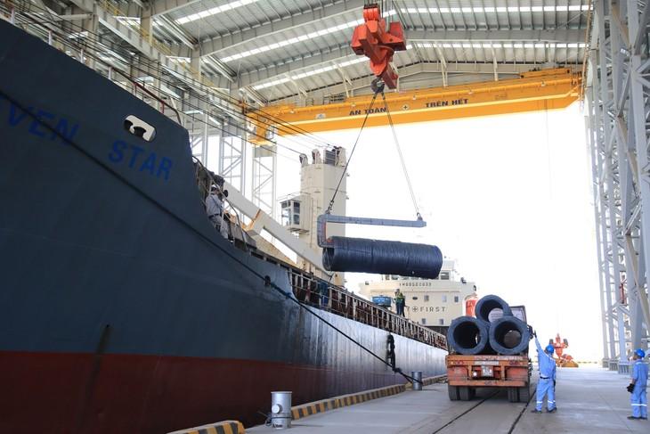 Sản lượng thép xây dựng của Hòa Phát đạt 270.000 tấn trong tháng 4/2020, tăng 13,8% so với cùng kỳ năm 2019.