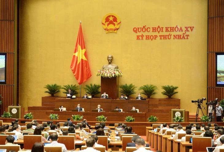 Quốc hội thảo luận tại Hội trường sáng ngày 25/7/2021 (ảnh: QH)
