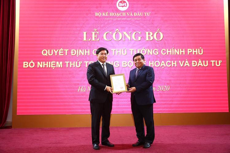 Trao quyết định bổ nhiệm tân Thứ trưởng Bộ KH&ĐT Trần Duy Đông ảnh 1