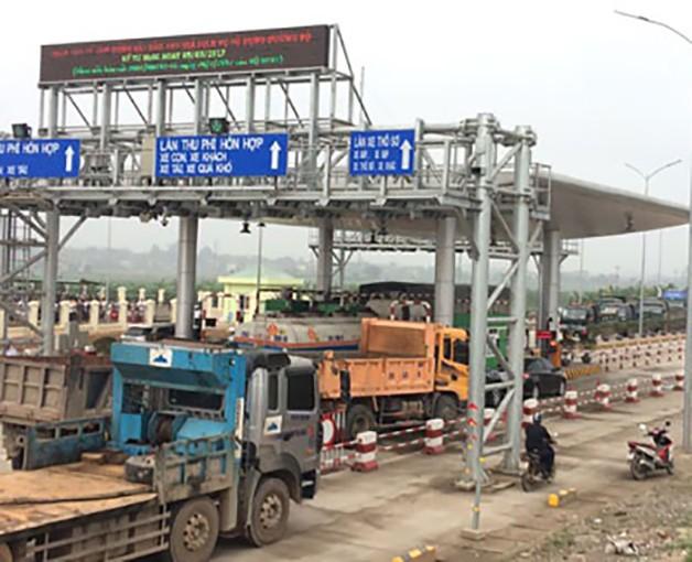 Phú Thọ: Dân dàn hàng trên đường phản đối trạm thu phí BOT ảnh 1