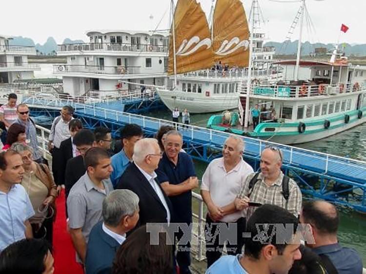 Tổng thống Israel và Phu nhân thăm Vịnh Hạ Long ảnh 1