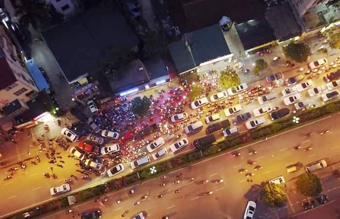 Cư dân Home City xếp hàng trước cổng 177 Trung Kính phản đối chủ đầu tư ảnh 10