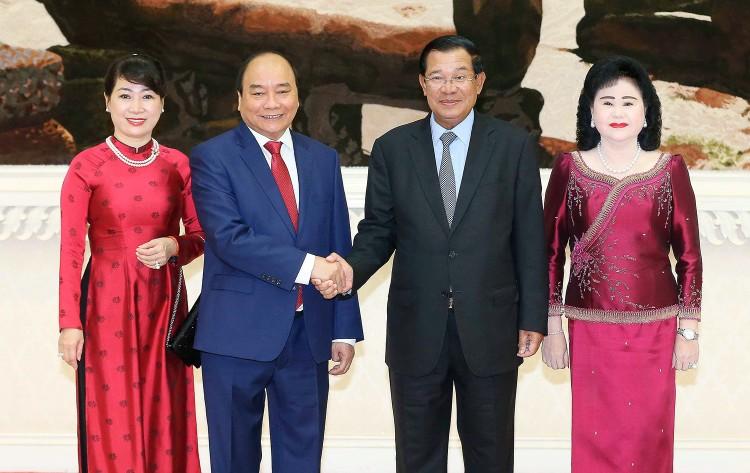 Thủ tướng Nguyễn Xuân Phúc hội đàm với Thủ tướng Campuchia ảnh 1