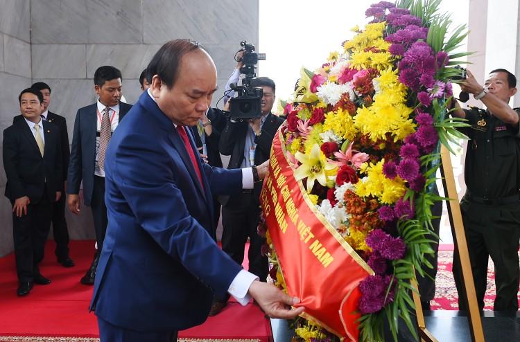 Thủ tướng Nguyễn Xuân Phúc hội đàm với Thủ tướng Campuchia ảnh 4