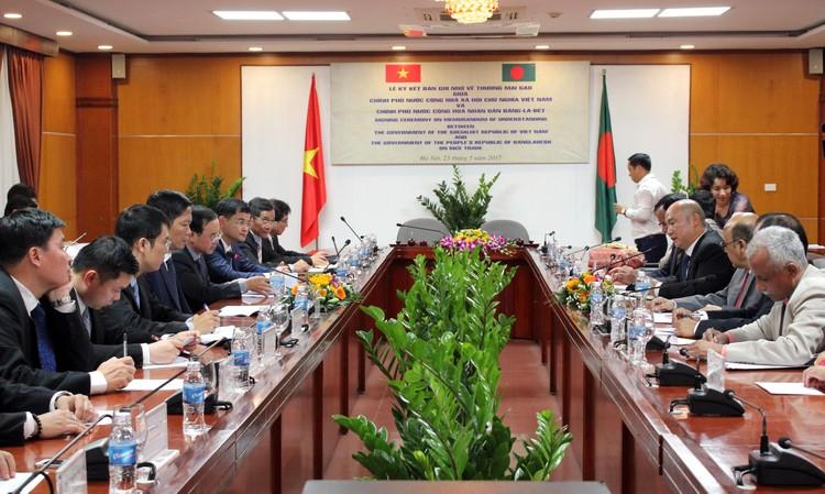 Gia hạn bản Ghi nhớ về thương mại gạo giữa Việt Nam và Bangladesh ảnh 1