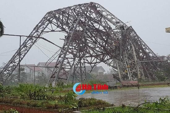 Phó Thủ tướng Trịnh Đình Dũng thị sát, chỉ đạo khắc phục hậu quả bão tại Hà Tĩnh ảnh 6