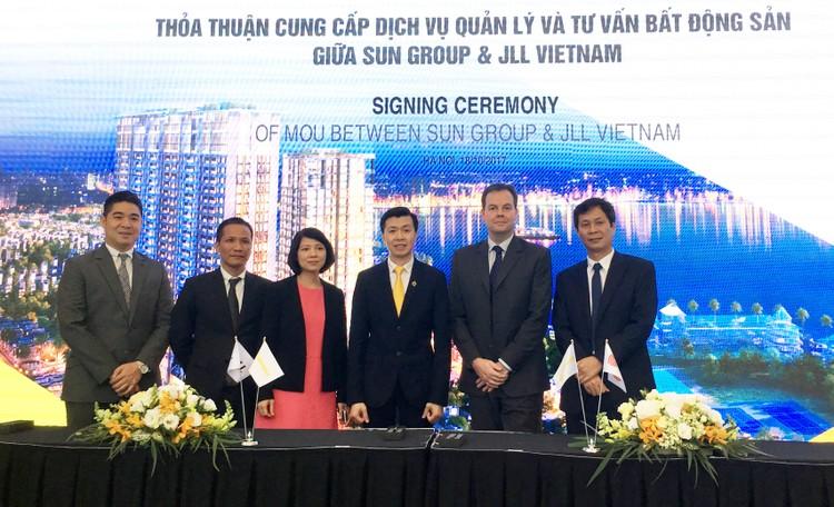 Sun Grand City Thuy Khue Residence sẽ do nhà quản lý quốc tế JLL vận hành ảnh 2