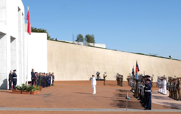 Lễ đón trọng thể Thủ tướng Nguyễn Xuân Phúc tại Australia ảnh 2
