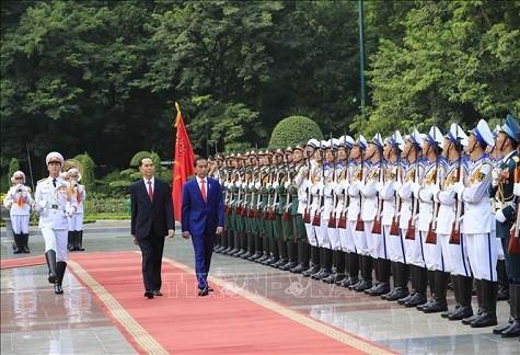 Chủ tịch nước và Phu nhân chủ trì lễ đón Tổng thống Indonesia và Phu nhân ảnh 3