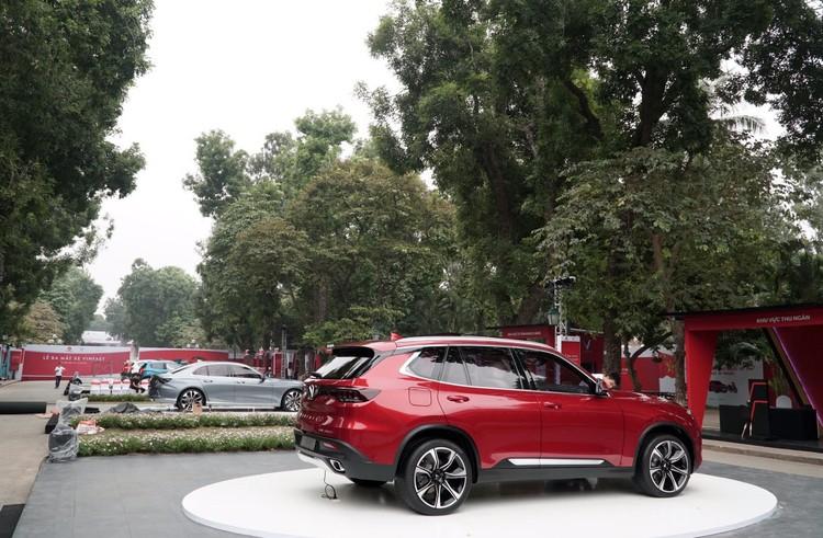 """VinFast công bố giá bán """"3 không"""" với xe ô tô Lux và Fadil ảnh 2"""