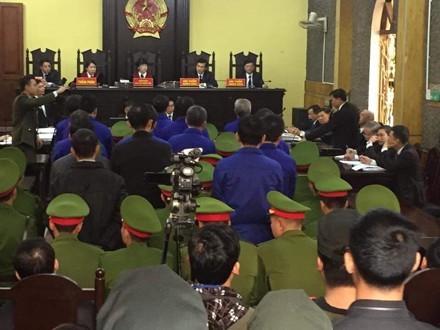 Bị cáo đi cấp cứu, hoãn phiên xử vụ thuỷ điện Sơn La ảnh 1