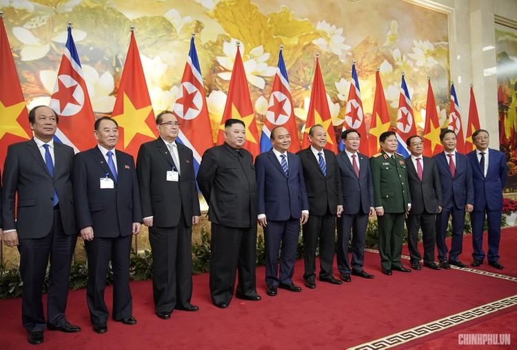 Thủ tướng Chính phủ Nguyễn Xuân Phúc tiếp Chủ tịch Kim Jong Un ảnh 10