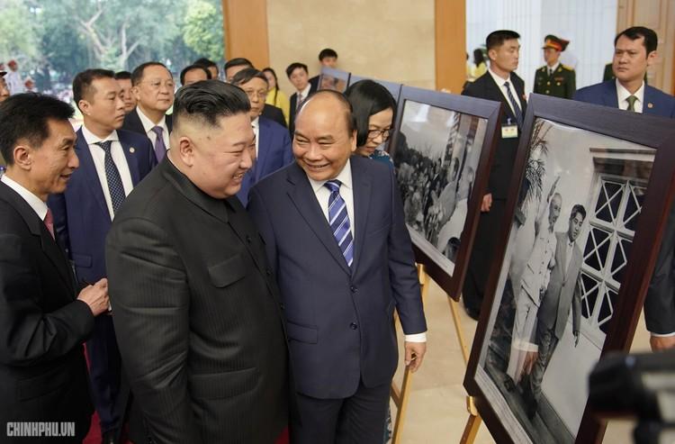 Thủ tướng Chính phủ Nguyễn Xuân Phúc tiếp Chủ tịch Kim Jong Un ảnh 5