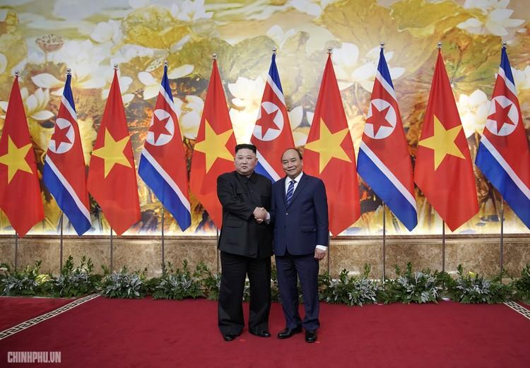 Thủ tướng Chính phủ Nguyễn Xuân Phúc tiếp Chủ tịch Kim Jong Un ảnh 6