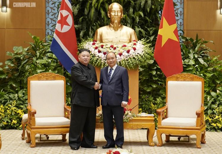 Thủ tướng Chính phủ Nguyễn Xuân Phúc tiếp Chủ tịch Kim Jong Un ảnh 7