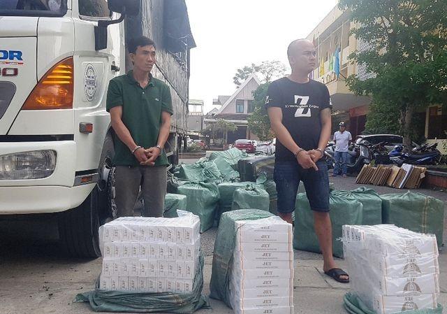 Quảng Trị: Thuê xe tải chở xe máy, ở giữa nhồi... 23.000 bao thuốc lá ảnh 2