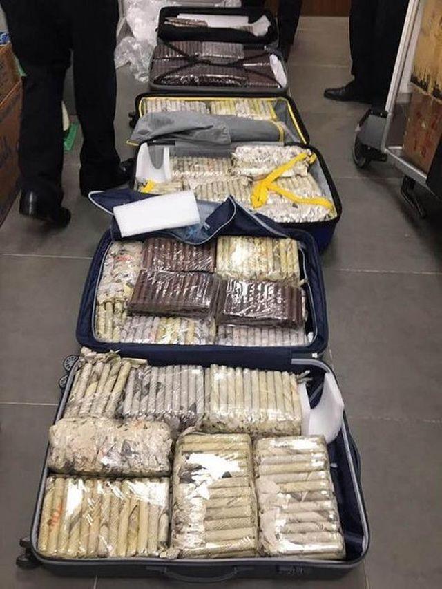 Tạm giữ 3.000 điếu xì gà từ Cu Ba nhập về Đà Nẵng ảnh 1