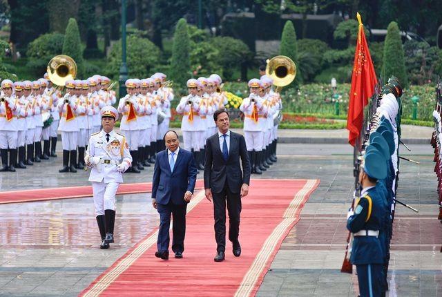 Thủ tướng Nguyễn Xuân Phúc chủ trì lễ đón chính thức Thủ tướng Hà Lan ảnh 4