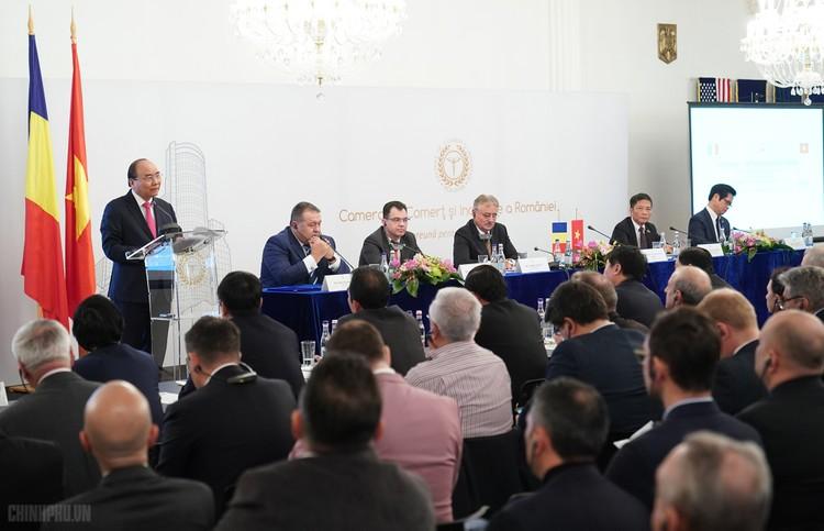 Thủ tướng dự Diễn đàn Doanh nghiệp Việt Nam-Romania ảnh 2