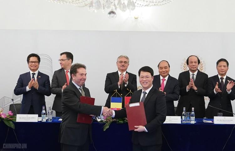 Thủ tướng dự Diễn đàn Doanh nghiệp Việt Nam-Romania ảnh 3