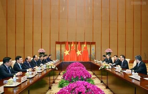 Thủ tướng Nguyễn Xuân Phúc hội đàm với Thủ tướng Trung Quốc Lý Khắc Cường ảnh 1