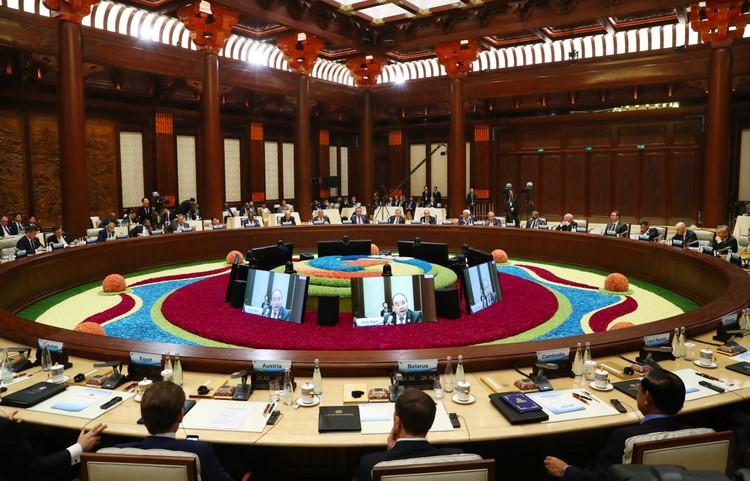 Thủ tướng nhấn mạnh những nền tảng của kết nối kinh tế khu vực ảnh 1