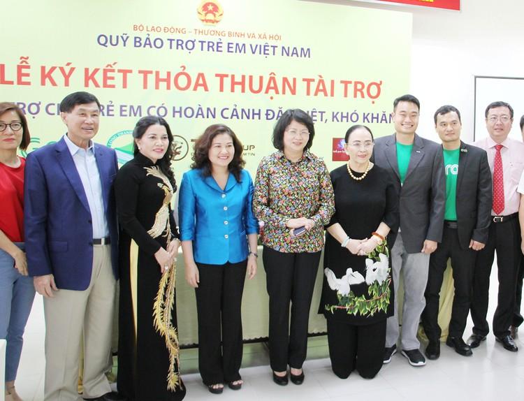 HDBank trao tặng 1,1 tỷ đồng cho Quỹ Bảo trợ trẻ em Việt Nam ảnh 3