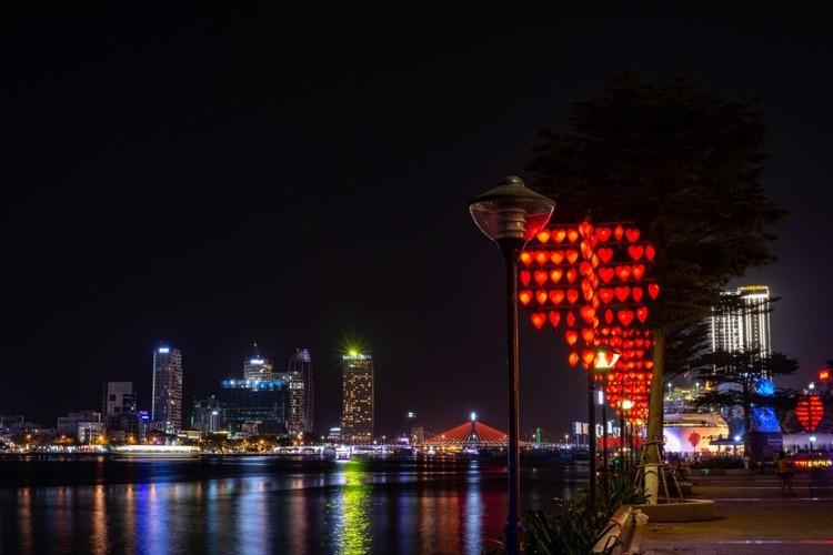 Khách du lịch ngán ngẩm chơi đêm ở thành phố sông Hàn ảnh 5