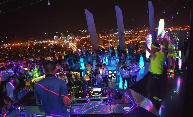 Khách du lịch ngán ngẩm chơi đêm ở thành phố sông Hàn ảnh 7