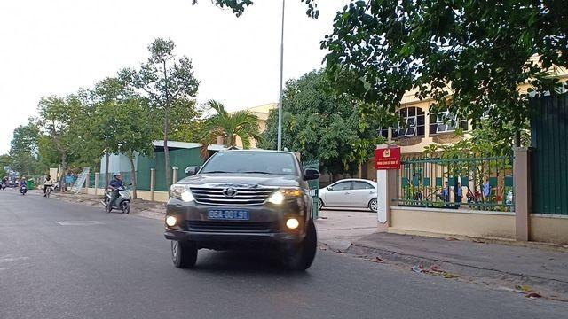 Bình Thuận: Khởi tố, khám nhà cựu Chủ tịch UBND TP Phan Thiết ảnh 2