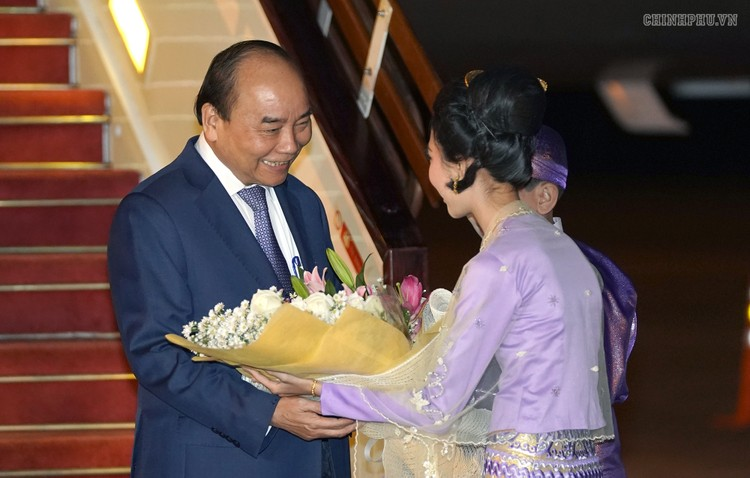 Thủ tướng bắt đầu thăm chính thức Myanmar ảnh 1