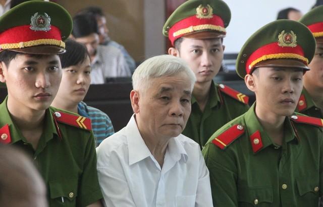 Tham ô tài sản, nguyên Chánh án TAND Phú Yên cùng 3 thuộc cấp hầu tòa ảnh 1