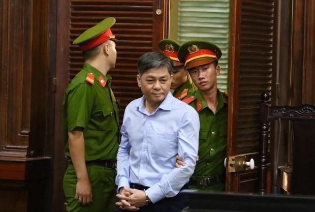 Nguyên Phó Chủ tịch UBND TPHCM Nguyễn Hữu Tín nộp 1,5 tỉ đồng khắc phục hậu quả ảnh 1