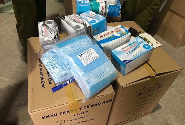 TPHCM: Một triệu khẩu trang sắp bị tuồn sang Campuchia ảnh 2