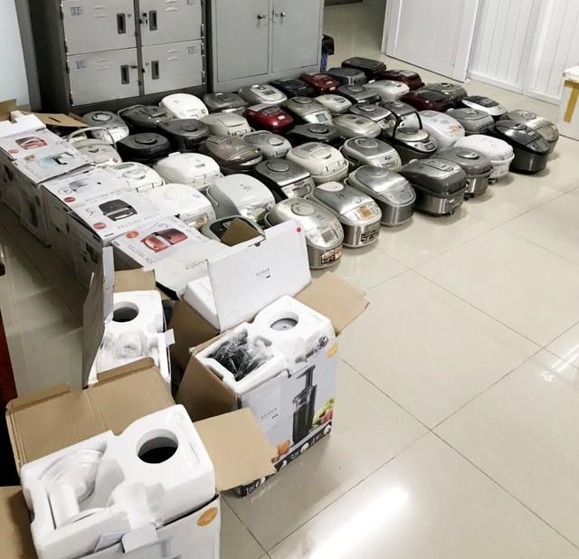 An Giang: Bắt giữ lô hàng điện tử, điện gia dụng cũ không rõ nguồn gốc ảnh 2