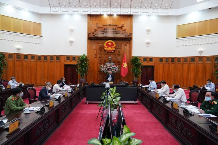 Thủ tướng: Tạm dừng mọi hoạt động hội họp, tập trung trên 20 người ảnh 1