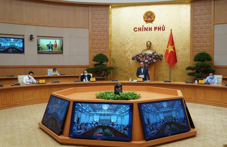 Thủ tướng: Thần tốc, tranh thủ từng giờ, từng phút chống dịch COVID-19 ảnh 1