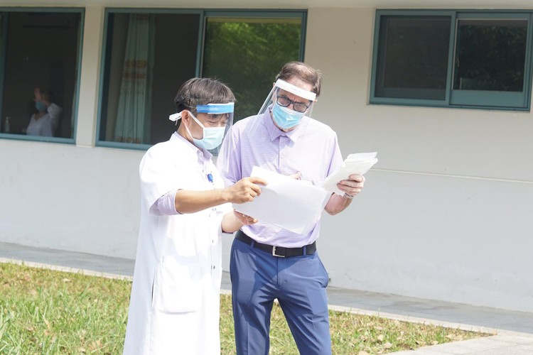 Thừa Thiên Huế: Bệnh nhân nCoV 71 tuổi xuất viện ảnh 1