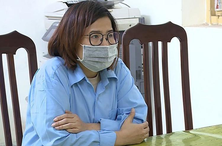Hà Nội: Làm giả hàng nghìn bộ quần áo bảo hộ y tế ảnh 1