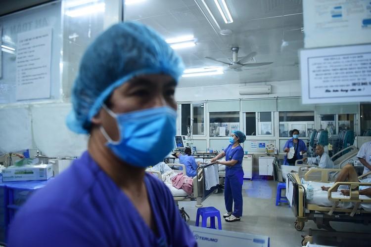 Hà Nội: Niềm vui dỡ phong tỏa Bệnh viện Bạch Mai ảnh 1
