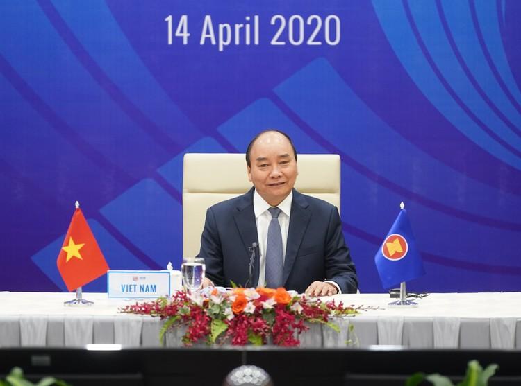 Chùm ảnh: Thủ tướng chủ trì Hội nghị cấp cao đặc biệt ứng phó COVID-19 ảnh 3