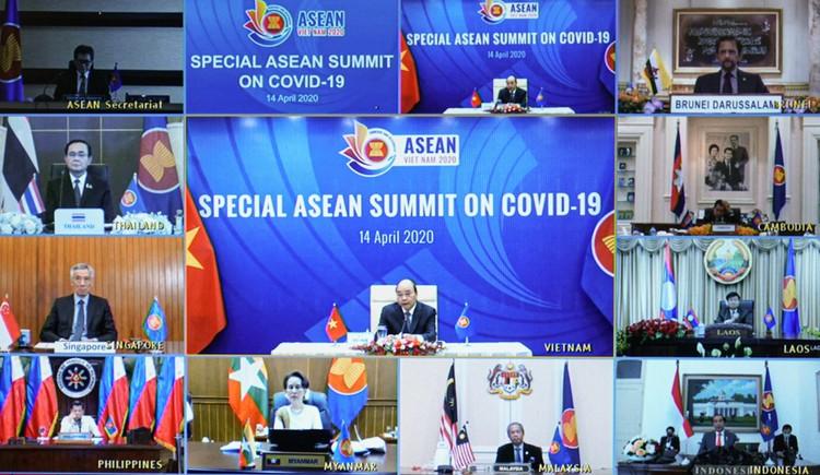 Chùm ảnh: Thủ tướng chủ trì Hội nghị cấp cao đặc biệt ứng phó COVID-19 ảnh 4