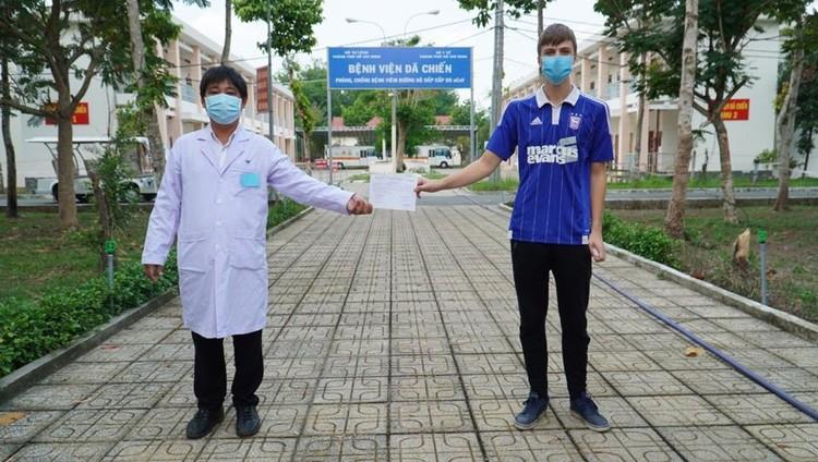 COVID-19: Thêm 2 bệnh nhân xuất viện nâng tổng số ca khỏi bệnh tại Việt Nam lên 171 ảnh 1