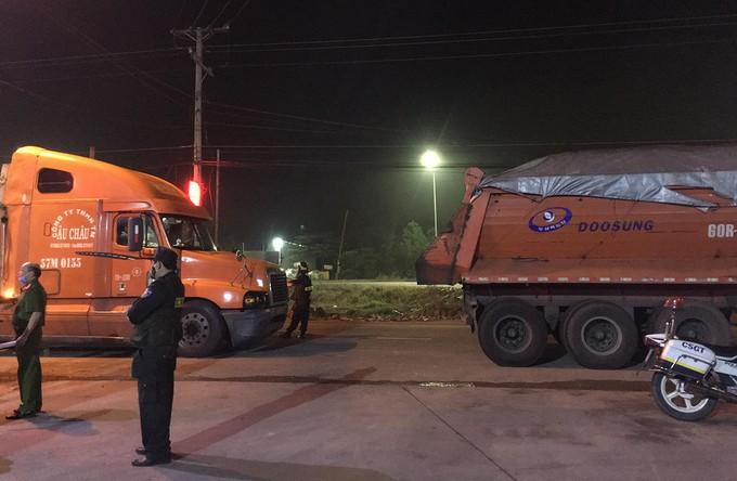 Đồng Nai: 27 'xe vua' chở quá tải bị tạm giữ ảnh 2