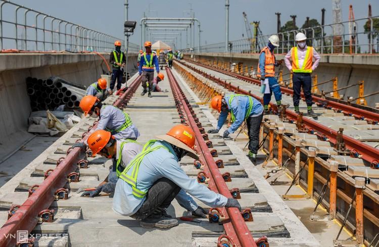 TPHCM: Công nhân metro làm việc trong Covid-19 ảnh 1