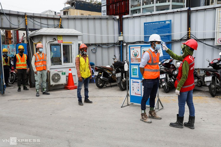 TPHCM: Công nhân metro làm việc trong Covid-19 ảnh 2