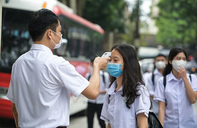 Học sinh Thanh Hóa trở lại trường ảnh 1