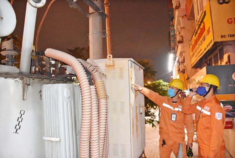 EVNHANOI thầm lặng giữ sáng nguồn điện Thủ đô ảnh 2